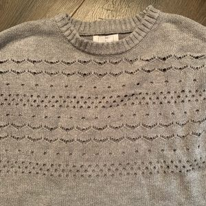 Cropped gray knit sweater